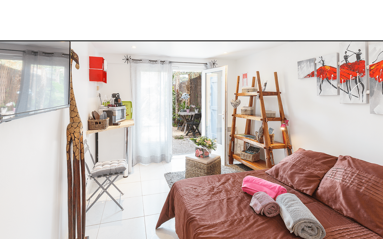 guest room rental french riviera giens mahinui